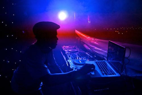 Qué programa para DJ es mejor: Serato, Traktor o Virtual DJ